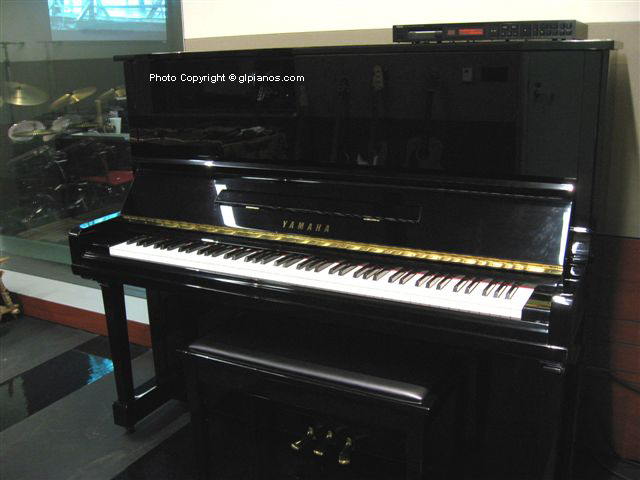 Used Yamaha U Los Angeles